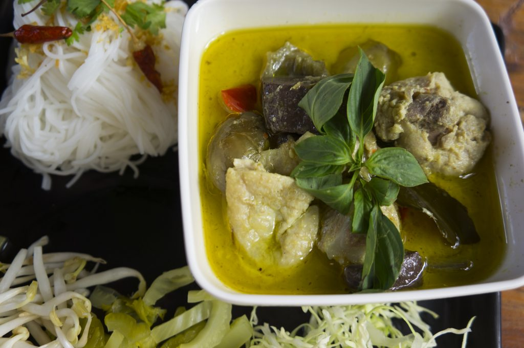blood tofu is an ingredient in Thai green curry